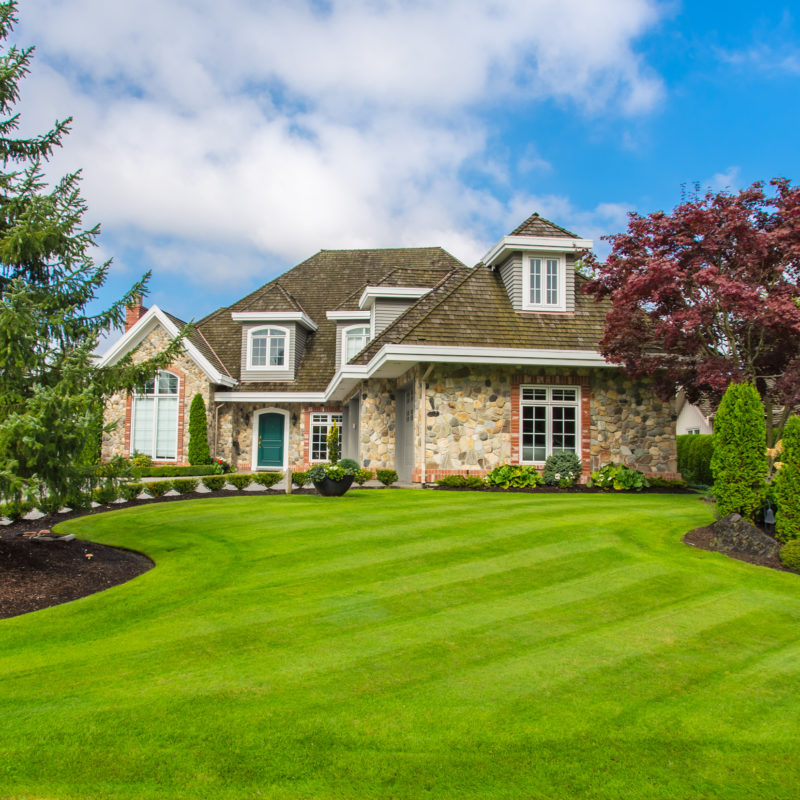 Custom,Built,Luxury,House,With,Nicely,Trimmed,And,Designed,Front